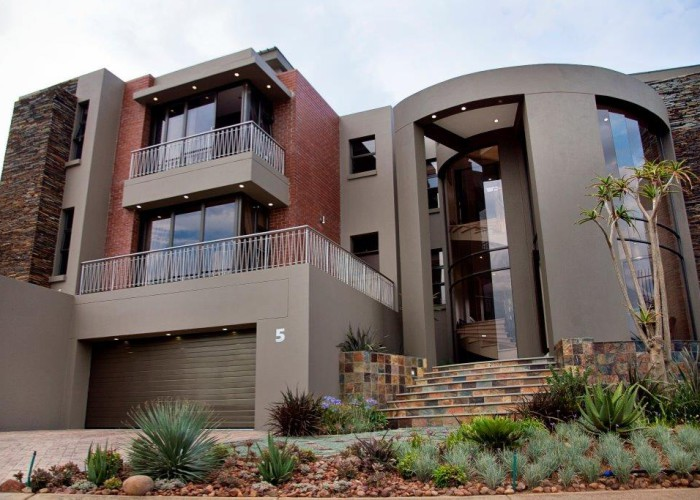 Luxury Residence 01